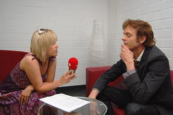 Schnappschuß mit Pal bei einem Interview mit a-ha. Interview, Michaela Schaffrath, Internet, Website, Schauspielerin, a-ha,